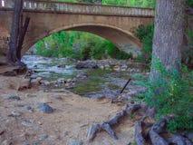 Puente en Bariloche imagen de archivo