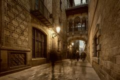 Puente en Barri Gotic Imágenes de archivo libres de regalías