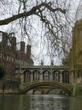 Puente en Cambridge Inglaterra Imágenes de archivo libres de regalías