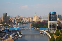 Puente en centro de negocios del International de Moscú Imagen de archivo libre de regalías