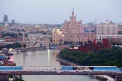 Puente en centro de negocios del International de Moscú Foto de archivo libre de regalías