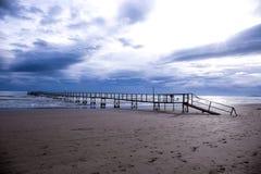 Puente en el mar Fotografía de archivo libre de regalías