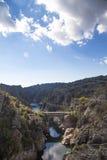 Puente en el río Foto de archivo