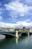 Puente en el río de Rhone imágenes de archivo libres de regalías