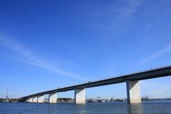 Puente en el río Tom Fotografía de archivo libre de regalías