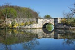Puente en Frank Melville Park Fotografía de archivo libre de regalías