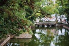 Puente en jardín Fotografía de archivo