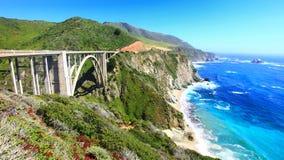 Puente en la carretera de CA1 el Pacífico Fotografía de archivo libre de regalías