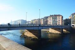 Puente en la ciudad del río Adige y de Verona, Italia Foto de archivo