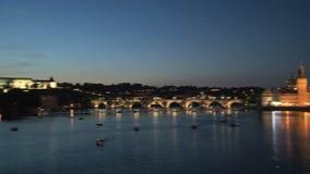 Puente en la noche, Praga de ChaRTes metrajes