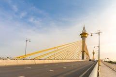 Puente en Nonthaburi Tailandia imagenes de archivo