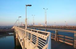 Puente en Omsk. Imagenes de archivo