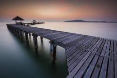 Puente en salida del sol Fotos de archivo libres de regalías