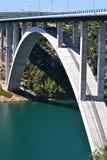Puente enorme sobre estrechos Imágenes de archivo libres de regalías