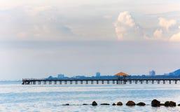 Puente enselvado en el puerto Foto de archivo libre de regalías