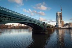 Puente ferroviario de Battersea Fotografía de archivo libre de regalías
