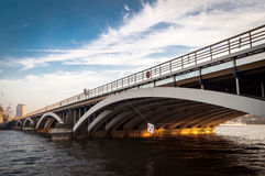 Puente ferroviario de Battersea, Londres Reino Unido Fotos de archivo