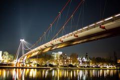 Puente Francfort de la reflexión Fotos de archivo
