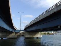 Puente gemelo en el camino de Viaducto Fotografía de archivo
