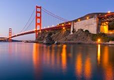 Puente Golden Gate en el amanecer Imágenes de archivo libres de regalías