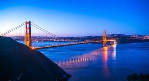 Puente Golden Gate en San Francisco en la salida del sol fotografía de archivo libre de regalías