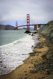 Puente Golden Gate en un día nublado Foto de archivo libre de regalías