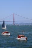 Puente Golden Gate | Yates clásicos Fotos de archivo libres de regalías
