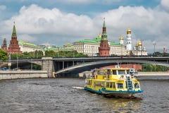 Puente grande de Kamenny Imagenes de archivo