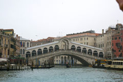 Puente hermoso de Rialto Foto de archivo