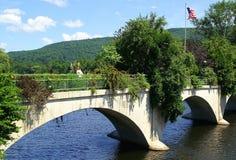 Puente histórico de flores Imagenes de archivo
