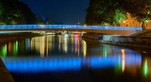 Puente iluminado colorido Exposición larga foto de archivo
