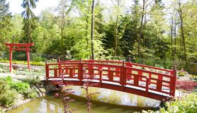 Puente japonés en parque bávaro fotos de archivo libres de regalías