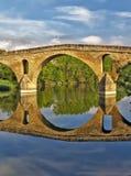 Puente La Reinabrücke, Navarre stockfotografie