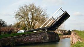 Puente levadizo Aynho del canal Foto de archivo