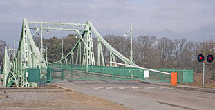 Puente levadizo, Letonia Foto de archivo