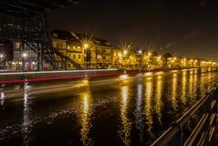 Puente levadizo por noche imágenes de archivo libres de regalías