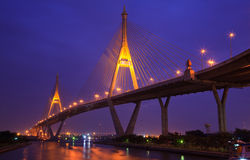 Puente mega en la noche, Bangkok del anillo industrial Imagen de archivo libre de regalías