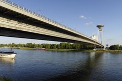 Puente moderno en Bratislava Foto de archivo libre de regalías