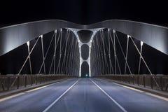 Puente moderno en la noche Fotografía de archivo