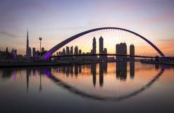 Puente moderno sobre el canal de Dubai Imagenes de archivo