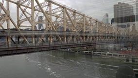 Puente New York City Manhattan de Ed Koch Queensboro metrajes