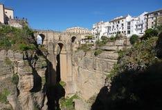 Puente Nuevo bro i Ronda i Andalusia, Spanien arkivbilder