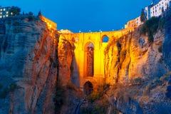 Puente Nuevo, ny bro, på natten i Ronda, Spanien Arkivbilder