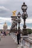 Puente París Francia de Alexander III Foto de archivo