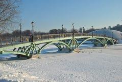 Puente peatonal agraciado Imagenes de archivo