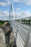 Puente peatonal blanco Foto de archivo