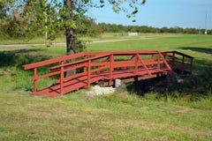 Puente peatonal en el campo de batalla de Honey Springs Fotos de archivo