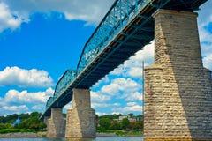 Puente peatonal famoso de Chattanooga imagenes de archivo