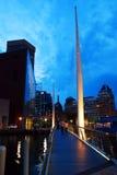 Puente peatonal moderno Foto de archivo
