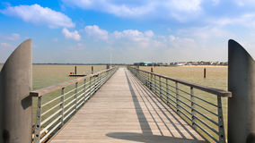 puente pontón moderno Imágenes de archivo libres de regalías